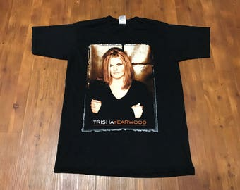Vintage 1998' Trysha Yearwood Tour T-shirt/Concert shirt Country Music Where your road leads Tour dates on the back Great condition Large