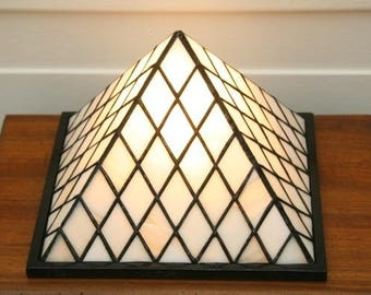 Stained glass Tiffany lamp pyramid