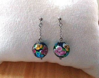 Bo pins ball flower glass Navy blue background titanium chain attachment