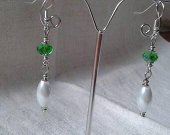 Earrings green and white