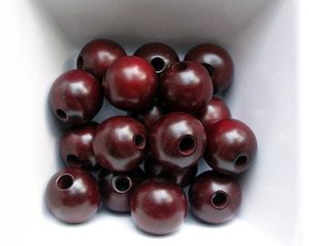 4 beads 16 mm round dyed boxwood