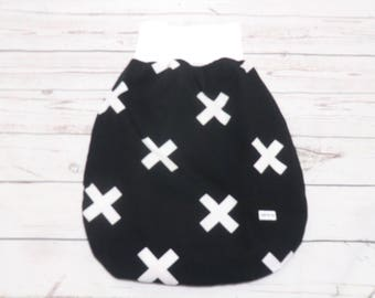 Infant sleeping bag from 0 to 6 months crosses black and white with fleece feed, Schlafsack, Pucksack kreuze schwarz-weiß
