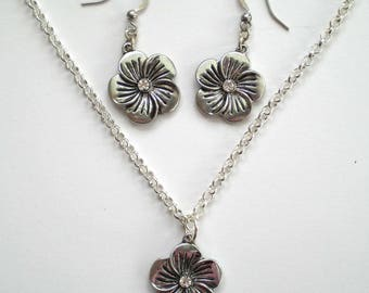 Silver Daisy Flower Earrings and Pendant, Gift for Her, Valentine's, Mother's Day Present