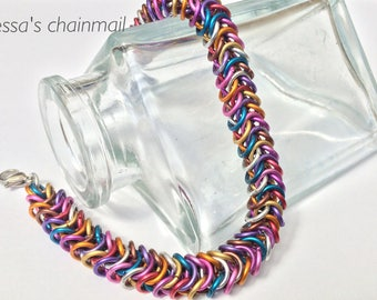 Chainmaille bracelet, colour bracelet, box bracelet, rainbow colored, chainmaille Jewelry, rainbow jewelry, Tessa's chainmail.