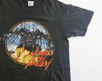 Vintage 90's Judas Priest Jugulator T Shirt size L (W 22.5 x L 27.5)