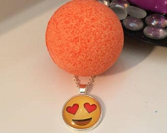 Emoji Necklace (Love) Surprise Bath Bomb Bundle Set of 4 FREE SHIPPING