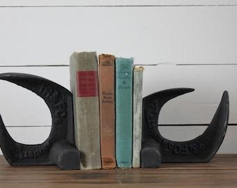 Vintage Industrial Book Ends, Vintage Cast. Iron Cobblers Anvil, Primitive antiques, Farmhouse antiques