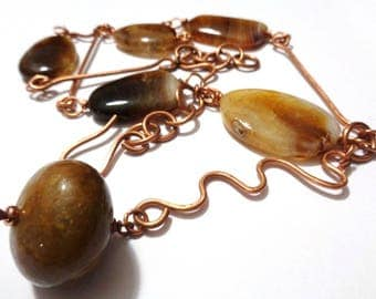 Copper hammered and brown agate technical wire necklace