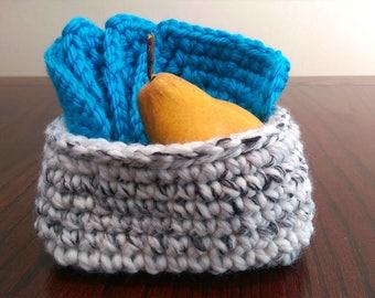 Small Square-Base Crochet Basket/Crochet Bowl/Storage Bowl/Home Decor