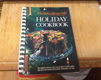 Beta Sigma Phi International Holiday Cookbook, 900 recipes 284 pgs, 1971