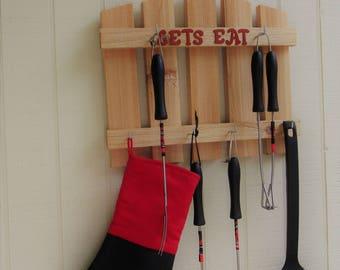 Barbeque Peak Shelf w/ Hooks