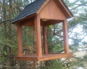 Cardinal/Robin Birdhouse