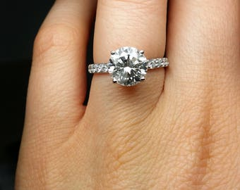Classic 2.71 cts Round Cut Diamond Engagement Ring