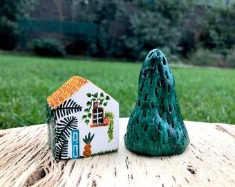 Tiny Jungalow ceramic house