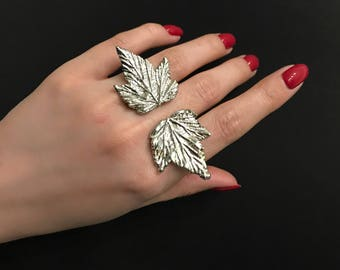 ring two currant-leaf coated with silver