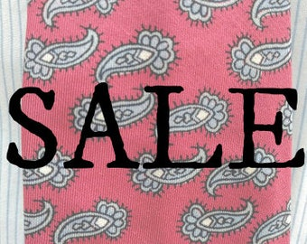 10% OFF SALE    1960's Men's Red Paisley Patterned Tie