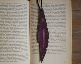 Bookmarks made of leather, purple feather