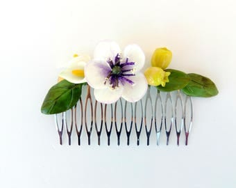 Peinecillo of flamenco or guest, with cold porcelain flowers, comb, hair comb, white flowers