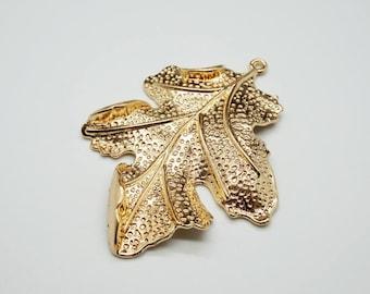 large leaf charm gold plated 6.5 cm / 5 cm (S33)