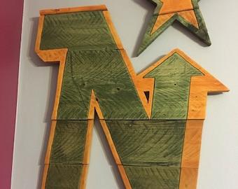 Minnesota North Stars- Pallet Wood Sign
