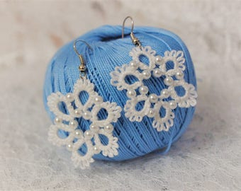 Lace tatting earrings snowflakes