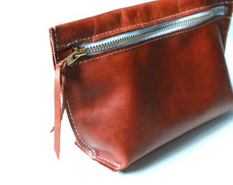 leather makeup bag - leather pouch - toiletry bag - gift for mom - leather clutch - leather clutch bag - leather bags women - makeup bag