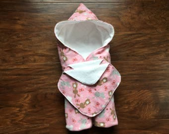 Hooded Baby Towel, Baby Bath Towel, Bunny Theme, Baby Shower Gift, Bunnies, Pink , Easter, Beach Towel, Hooded Wrap, Baby Branch Boutique