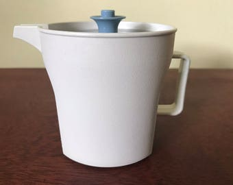 Tupperware Creamer #1414-2