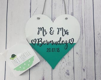 Wooden heart plaque, wedding gift, anniversary gift, mr & mrs, personalised gift, handpainted