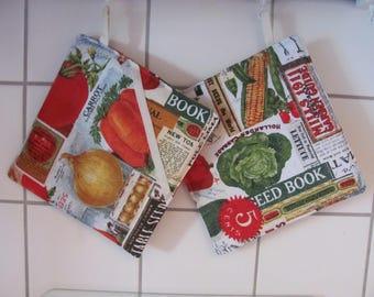 Pot holder with fruit & vegetable motifs. 20 x 20 cm
