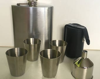Hip flask with 4 shot glasses and funnel of stainless steel 7 OZ