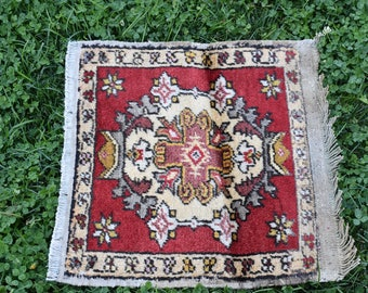 Natural Dyed Wool Rug Free Shipping Decorative Turkish Rug 1.6 x 1.5 feet Vintage Boho Decor Oushak Rug Turkish Aztec Rug Floor Rug DC383