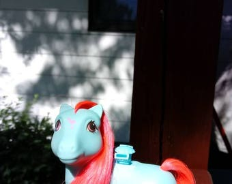 Vintage 1987 Tropical Paradise Flutter Pony, My Little Pony