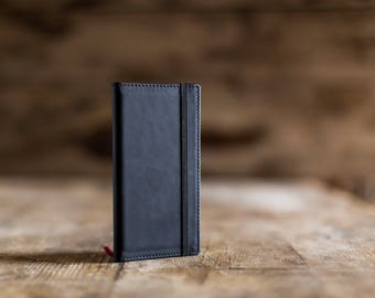 2018 weekly pocket planner in Matt black leather, the perfect Christmas gift. Pocket agenda 2018, pocket diary in leather. Made in Italy.