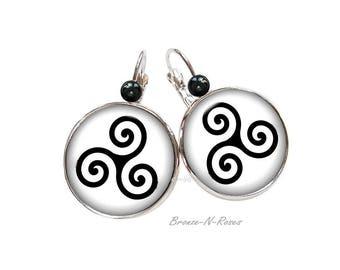 Earrings * Triskele * cabochon breton Celtic triskele triskelion Stud Earrings