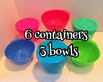 Adorable colors! 6 slime containers, 3 bowls, slime sample, activator AND free gift!!