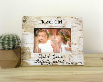 Flower girl frame. Personalized picture frame. Wedding gift. Thank you gift for flower girl. Custom frame for flower girl