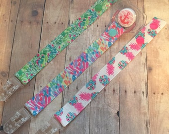 Pacifier Clips, Baby Gift, Pacifier holder, Baby Shower
