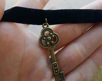 Black velvet key choker