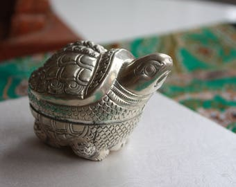Tortoise silver trinket box from Cambodia (only 1 available)