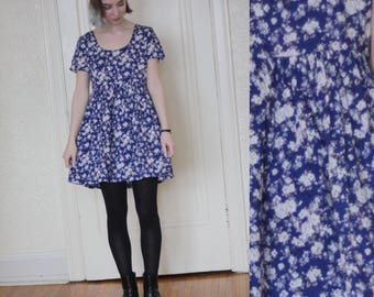 1990s babydoll dress // vintage babydoll dress // 90s floral dress