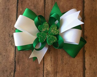 St Patrick's day hair bow, St Paddy's day hair bow, green hair bows, four leaf clover hair bows, holiday hair bows, gifts for girls,