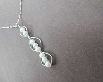 Sassy Diamond Shaped Pearl Necklace