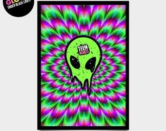 alien face - black light poster 17 x 24