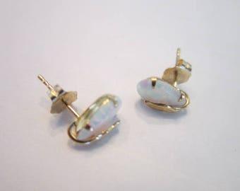 Earrings 14 K Yellow Gold & Fire Opal Stones Pierced Stud Earrings Beautiful