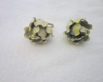 Vintage Enameled Flower Screw Back Earrings Very Fun