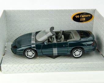 Rare Maisto 1996 Chevrolet Camaro Z28 Convertible Green 1/25 Scale Diecast Car