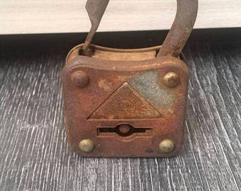 Antique Pandlock , Metal Rustic Padlock , Old Padlock Whit Triangle On It , Collectible Padlock , Rustic Home Decor