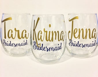 Set of 9+ Bridesmaid Wine Glass | Personalized Bridesmaid Wine Glass | Bridesmaid Glasses |Custom Wine Glass | Bridesmaid Gifts