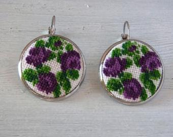 Embroidered earrings, vintage style earrings, flower earrings, earrings with embroidery, boho earrings, handmade earrings, bohemian earrings